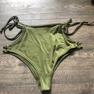 Green H &M high waist swim bottoms 👙